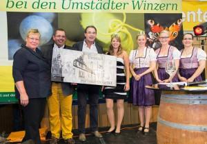 Übergabe des Ehrenpreises des Weinbauverbandes Hessische Bergstraße an Oliver Schröbel u. Jürgen Kronenberger, vinum autmundis