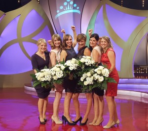 Die Finalistinnen für die Wahl der Deutschen Weinkönigin 2015